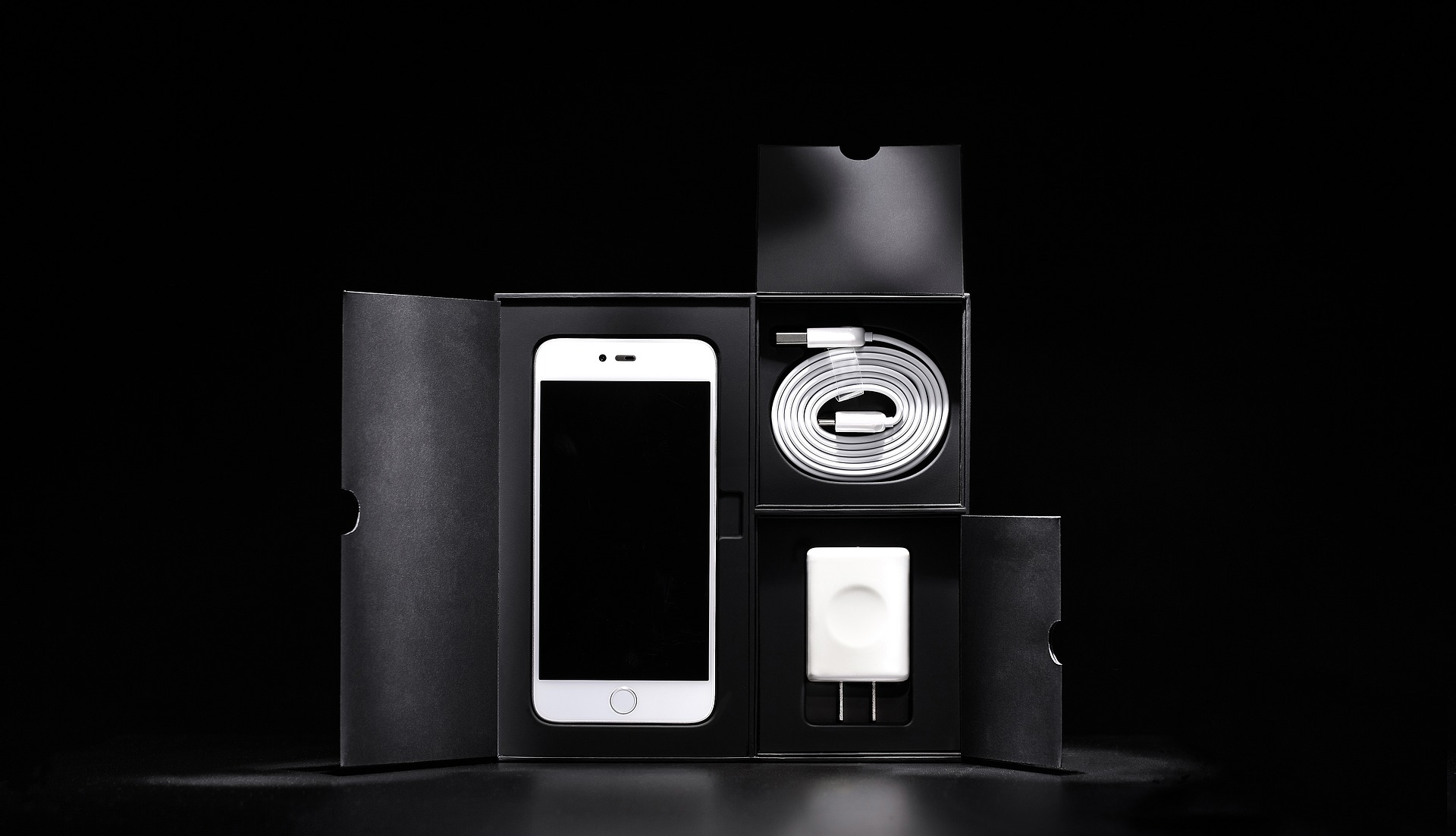 Black and white 1869905 1920 expert mobiles - Reparation telephone lorient ...